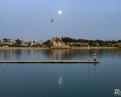 Mondschein über dem Rio Arade, Portimao